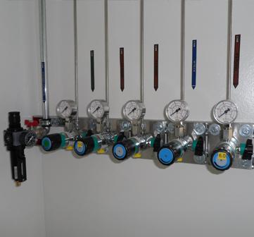 ÚJV Řež – dodávka a montáž rozvodů technických plynů.